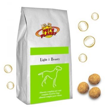 Light & Beauty Crocchette per Cani che fanno poco movimento e preferiscono alimenti ricchi di vegetali - confez. 12kg